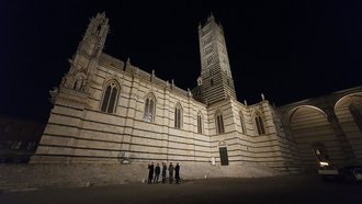 Location inspection in front of the cathedral in Siena (Photo: Bauhaus-Universität Weimar)