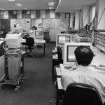 Newsroom von Radio Free Europe in München, 1994.